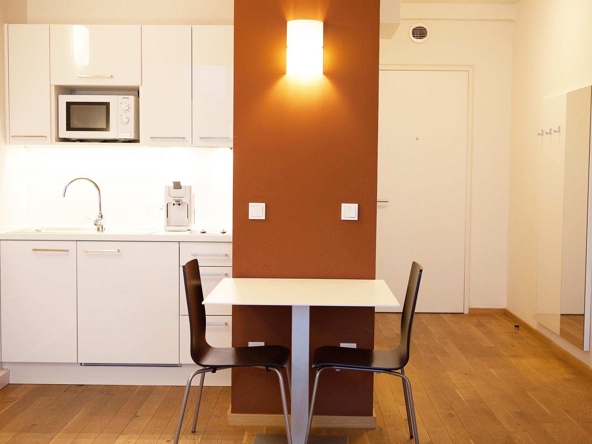 Apartment Erde Wohnraum Esstisch
