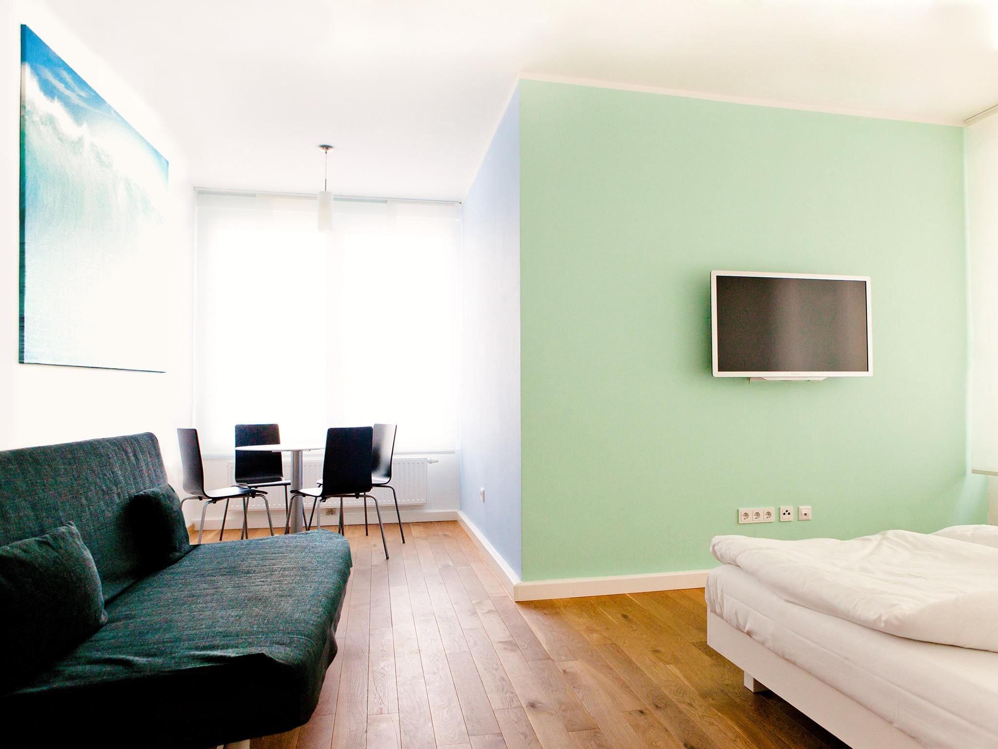 Apartment Wasser Wohnraum Hauptfoto